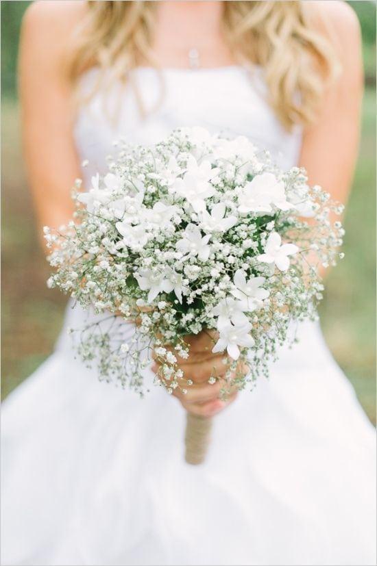 minimalistyczny bukiet ślubny