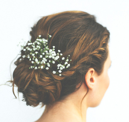 Kwiaty sezonowe – dekorujemy minimalistyczne wesele