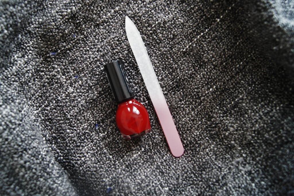 minimalistyczny-manicure