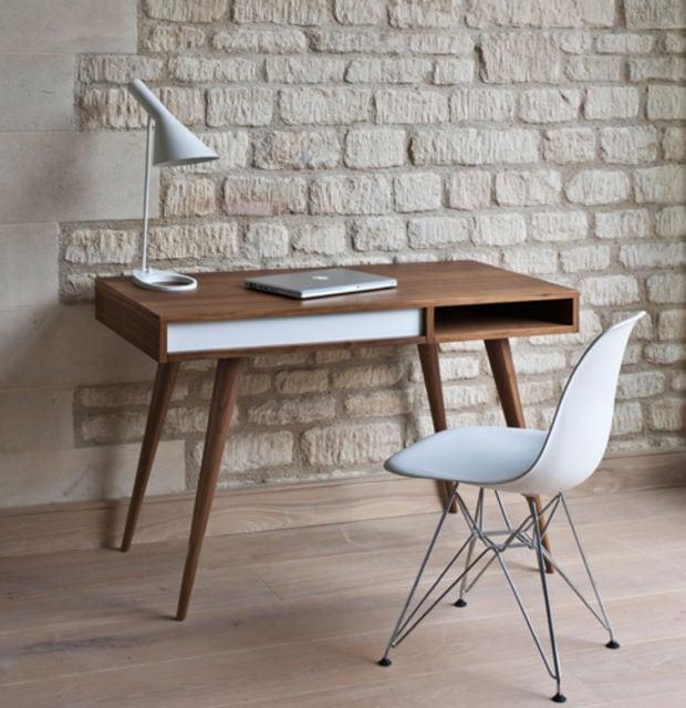 minimalistyczne biurko