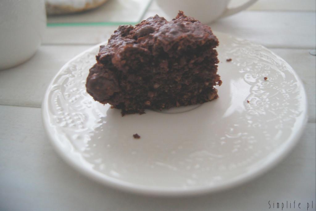 łatwe-wegańskie-ciasto
