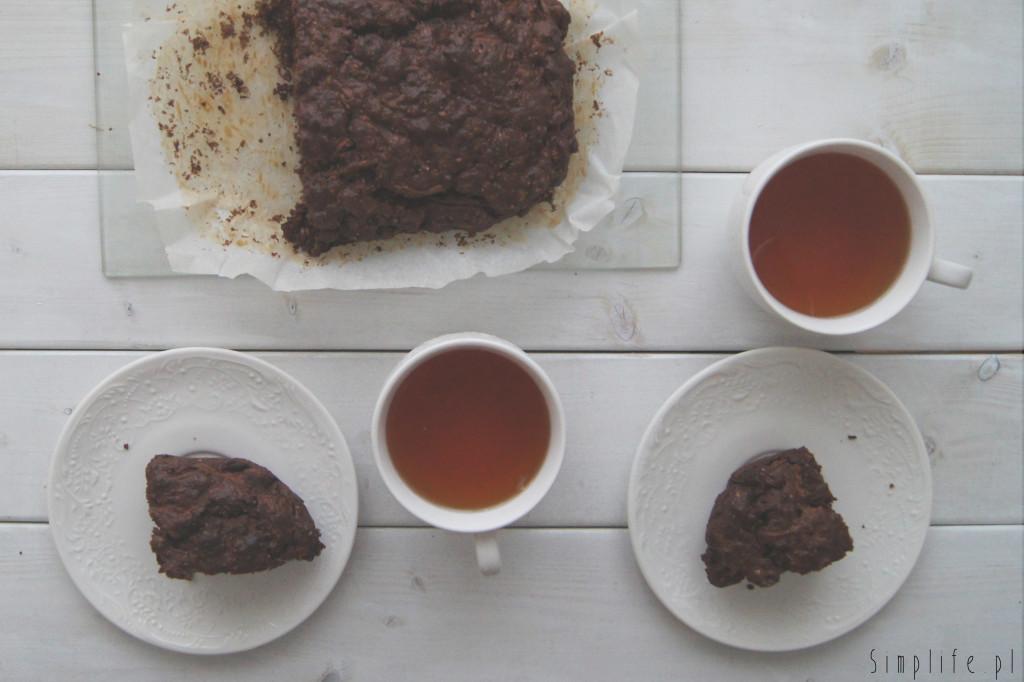 wegańskie-ciasto-z-cukinii