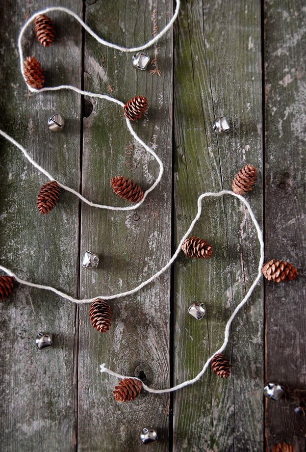dekoracje diy z szyszek
