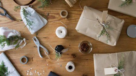 11 pomysłów na ekologiczne pakowanie prezentów świątecznych.
