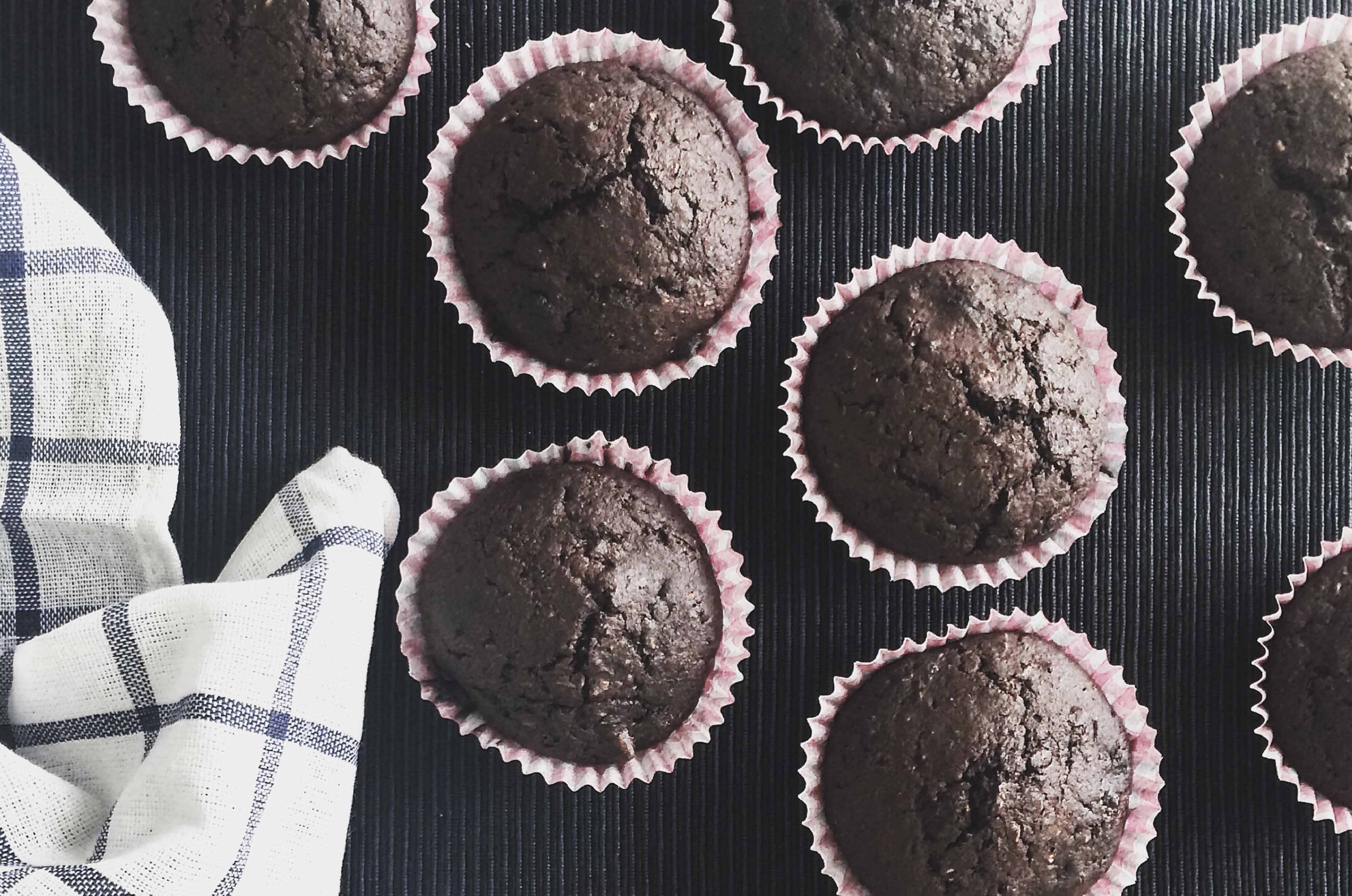 wegańskie-muffinki-z-czekoladą