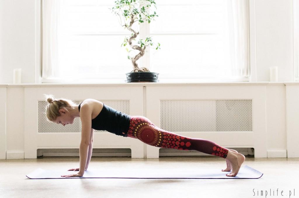 joga na mięśnie brzucha