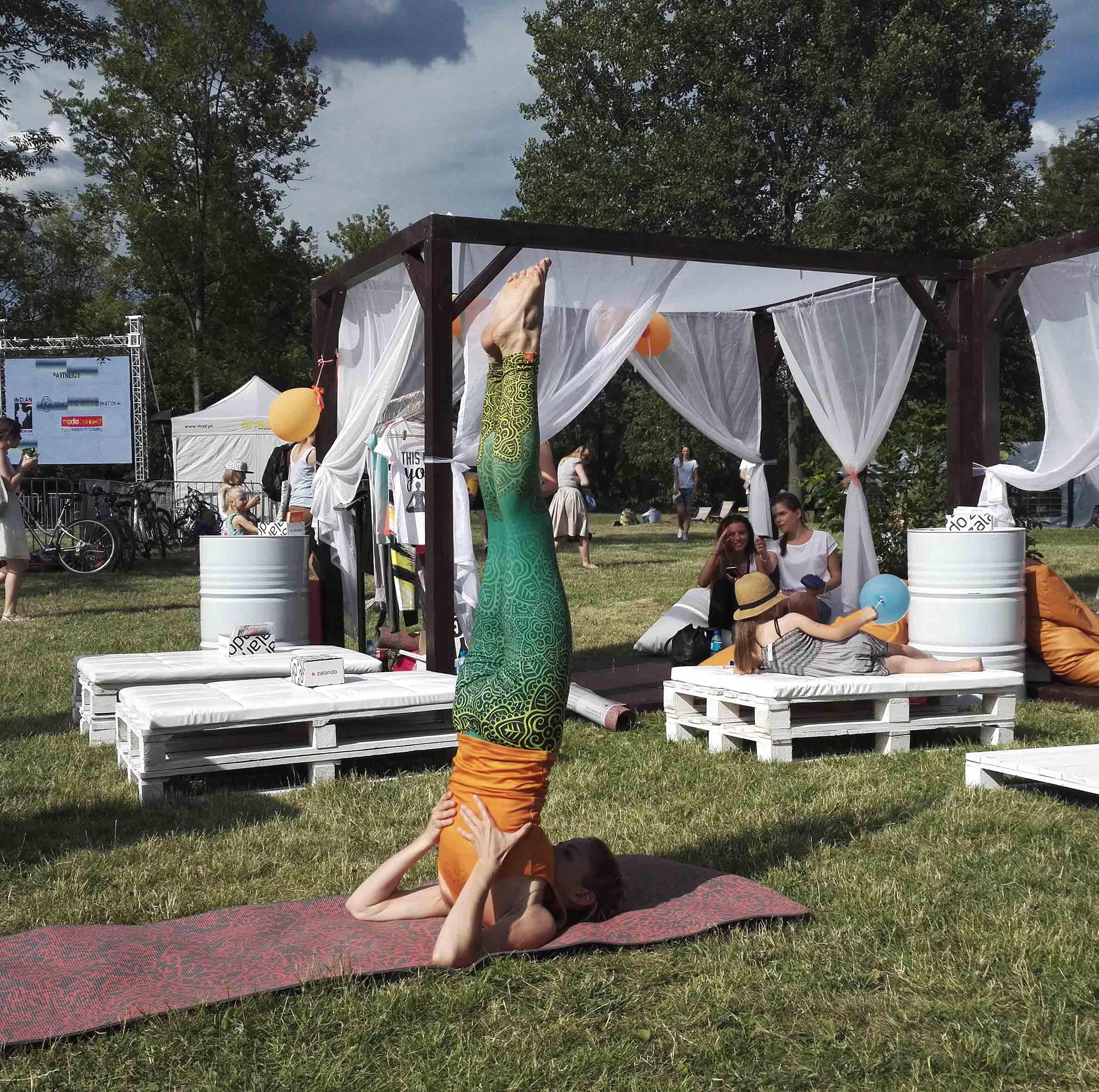 joga pozycja świecy