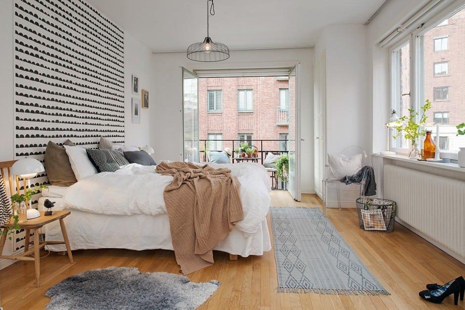 drzwi balkonowe w sypialni