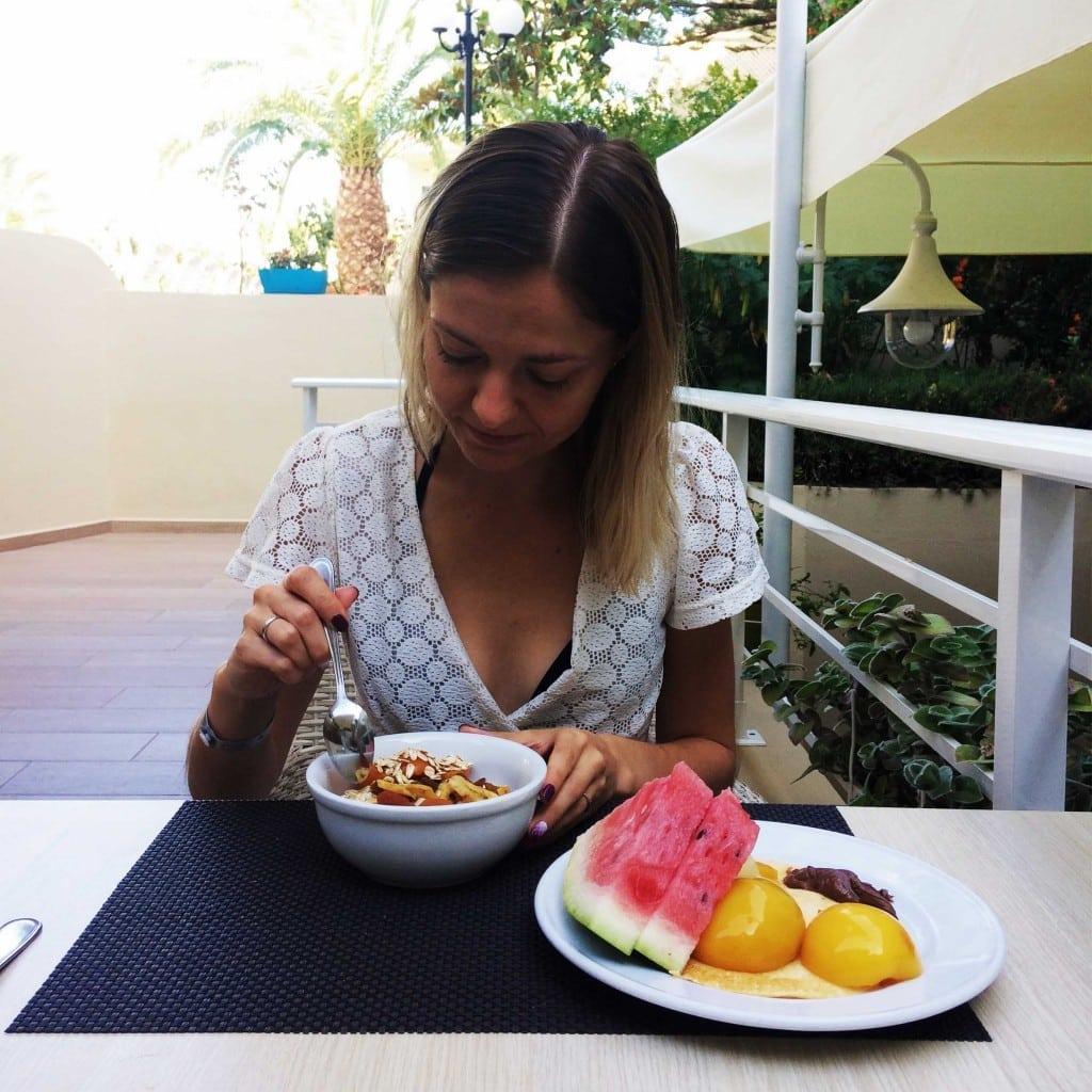 kreta-jedzenie-owoce