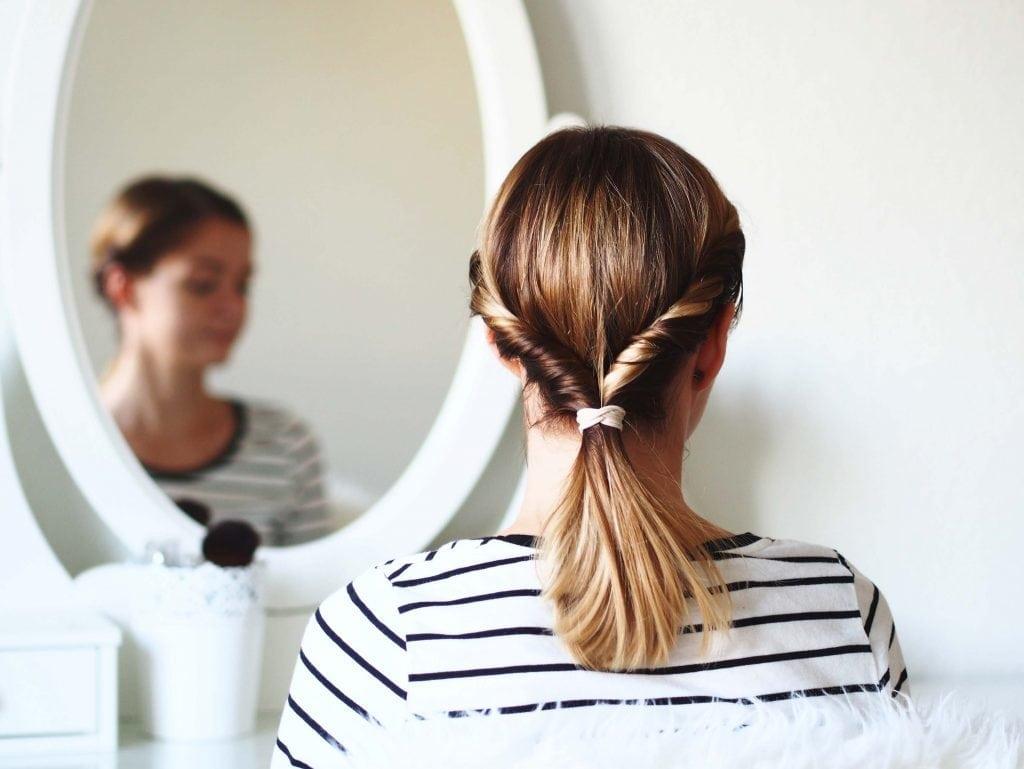 proste fryzury warkocz