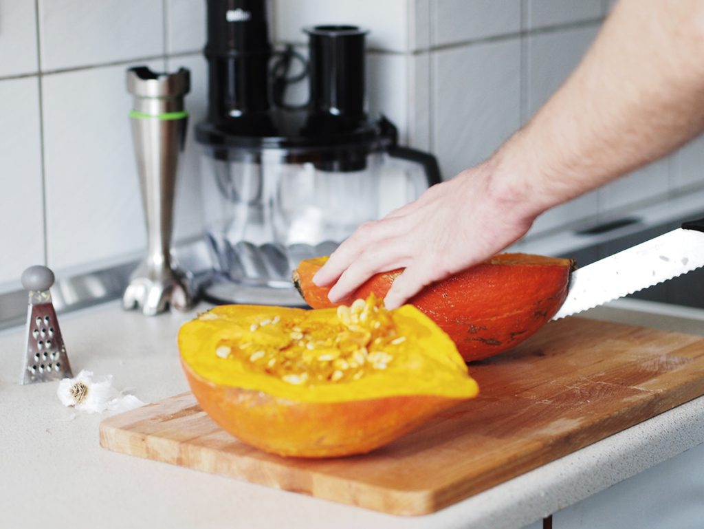 wegańska zupa krem z dyni z pomarańczą