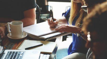 Czy warto studiować? A jeśli nie, to co robić z życiem?