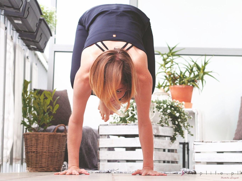 joga na balkonie