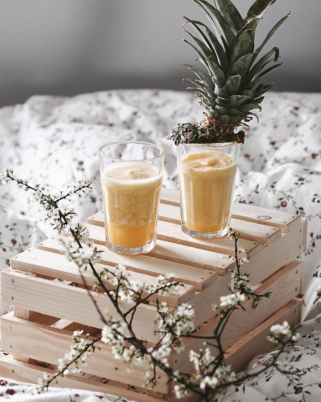 owocowe smoothie na śniadanie