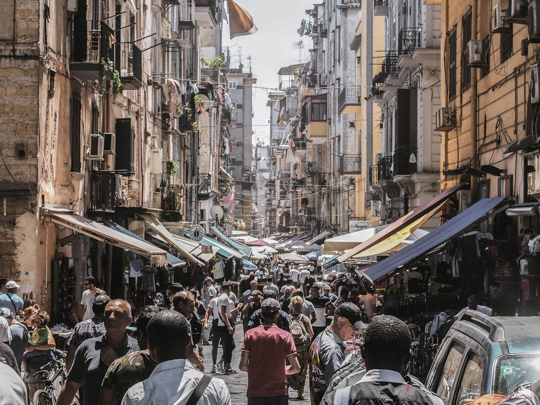Neapol-ulica-handlowa