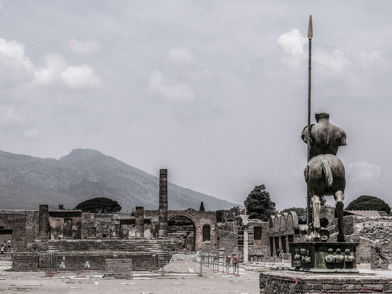 pompeje-pomnik