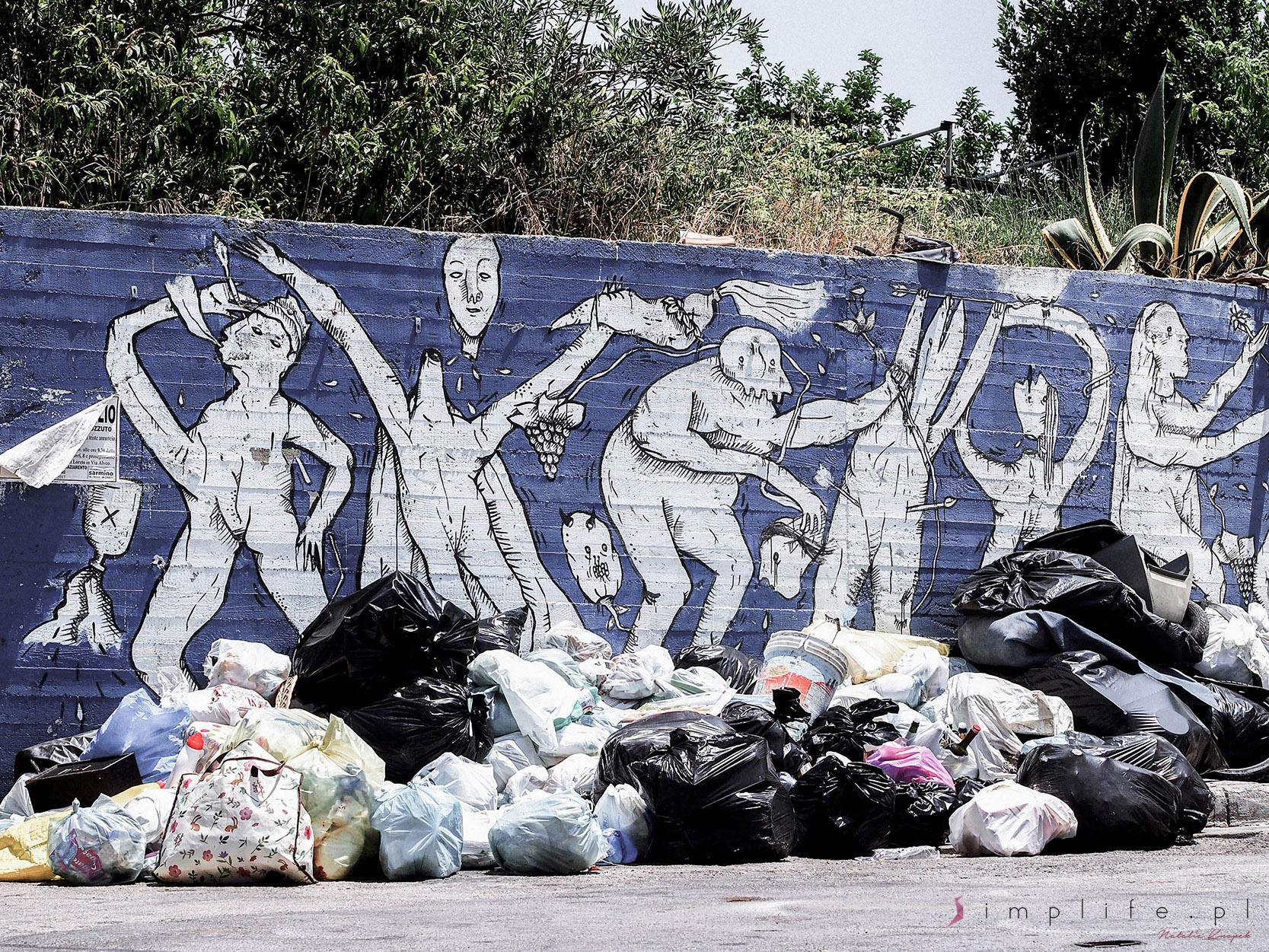 śmieci-Neapol