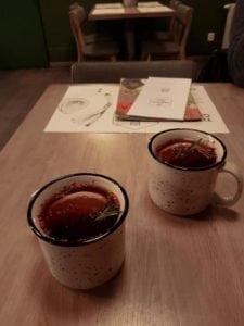 herbata z rozmarynem i pieprzem