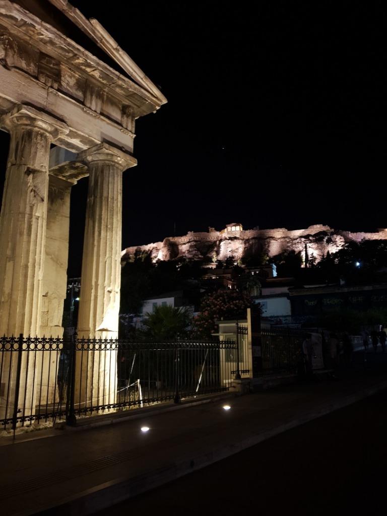 akropol nocą