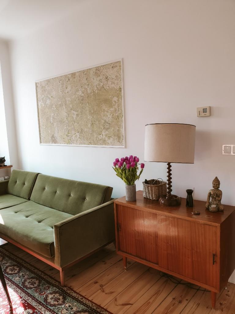 salon zielona kanapa